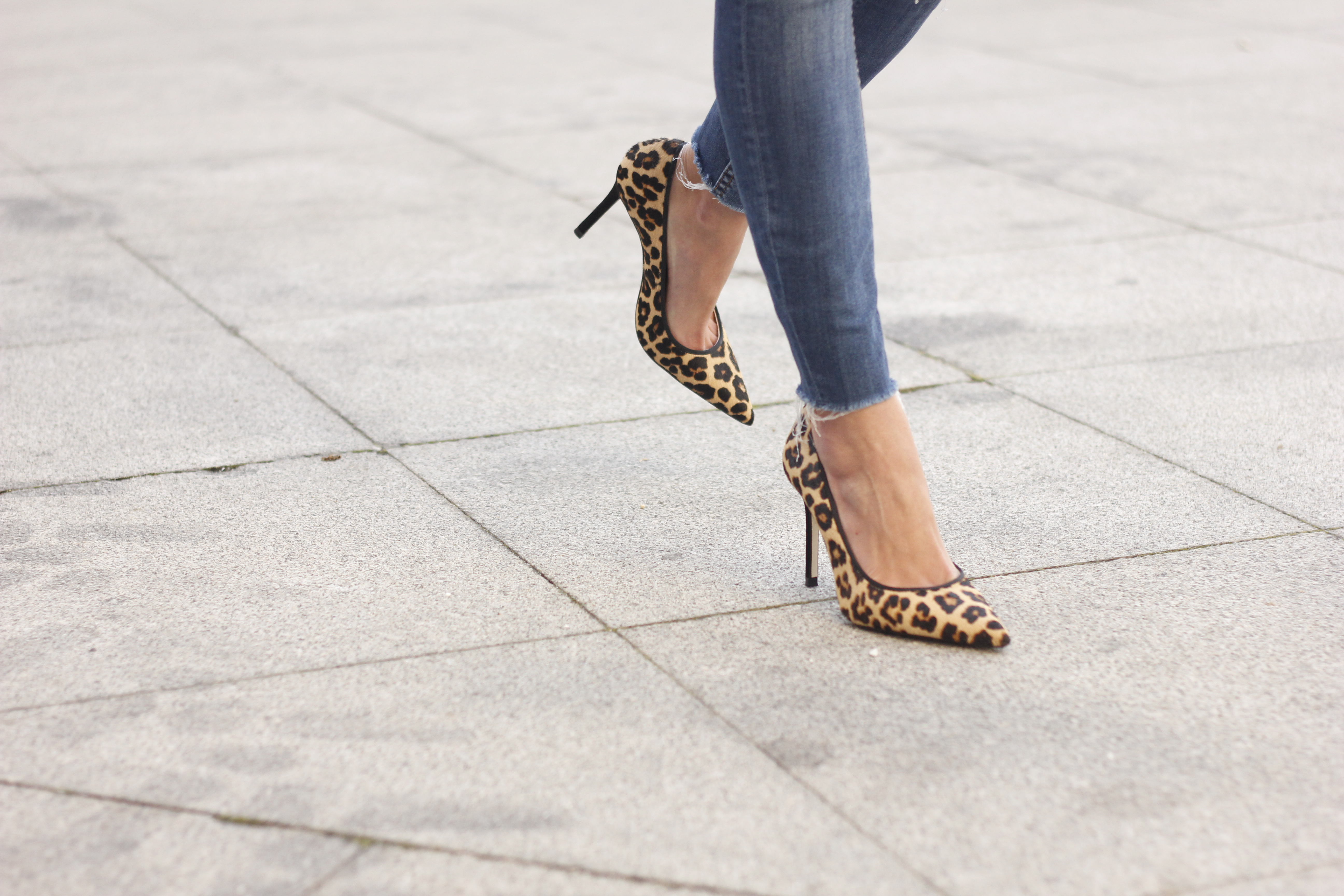 yellow blazer strippes ripped jeans givenchy bag leopard heels spring outfit 201814