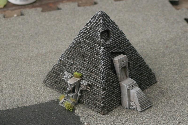 [Décors Aquarium] Une pyramide 38984504584_442a952703_c