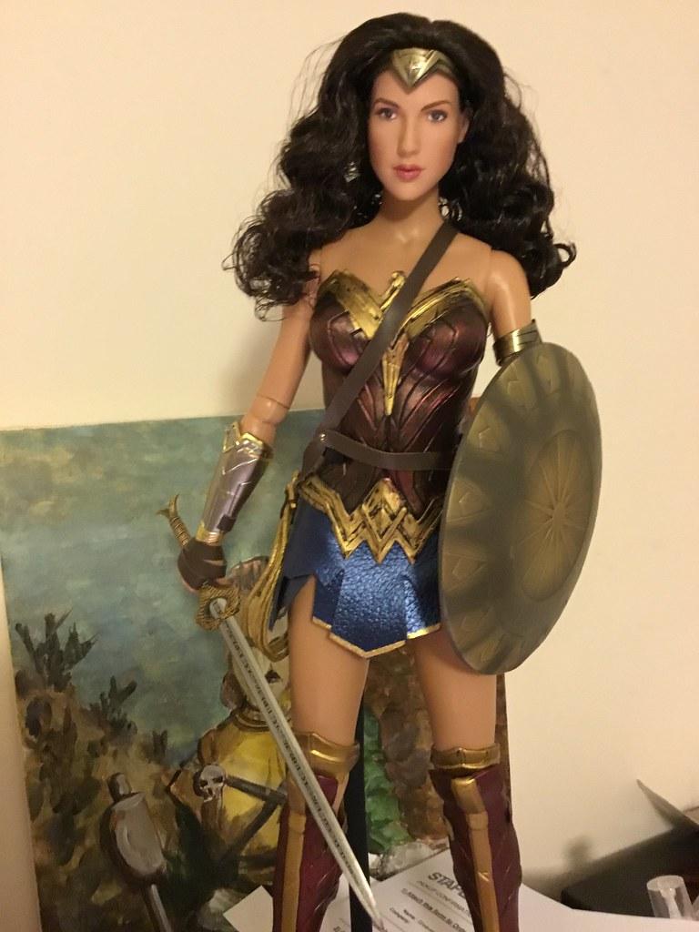Tonner Gal Gadot Wonder Woman