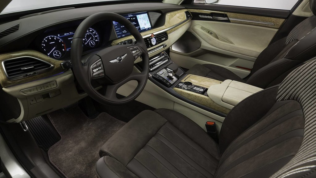 2019-genesis3-g90-vanity-fair-special-edition-a-touch-of-sensuality