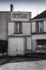 L'Hôtel de la Gare rue de la Victoire du 11 novembre 1918 - Désertification