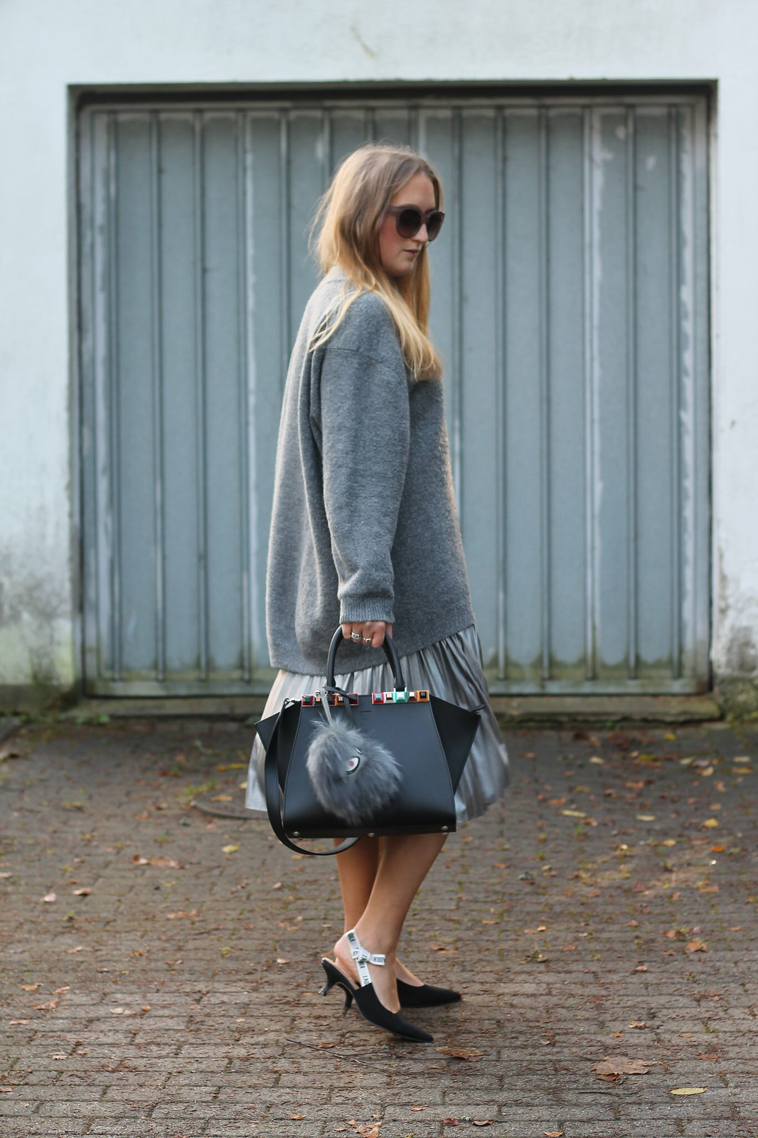 silver-skirt-and-sweater-look-wiebkembg