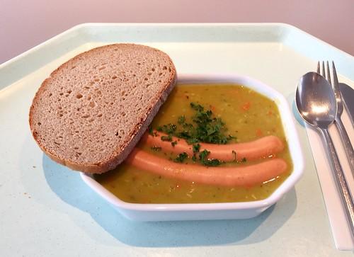 Pea stew with fresh herbs, vienna sausages & bread / Erbseneintopf mit frischen Kräutern, Wiener Würstchen & Bauernbrot