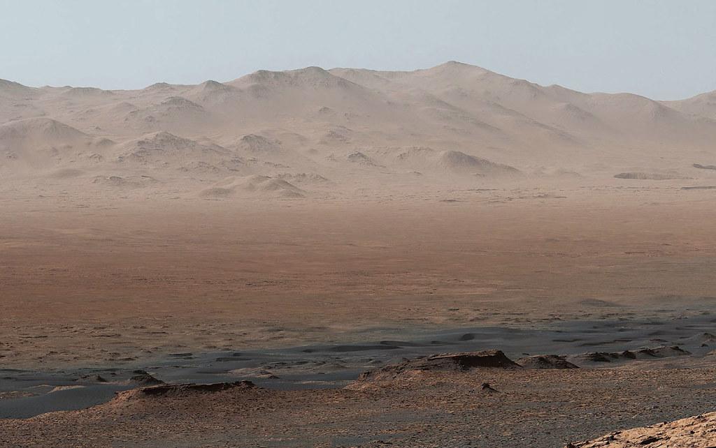Le panorama de Mars de Curiosity montre à quel point il est différent de celui de la Terre