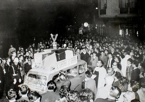 22 de diciembre de 1962 [1] - Nuestra Madre Santa Teresa nos visita, por medio de su Brazo Incorrupto. Su llegada a la Ciudad el 22 de diciembre de 1962.