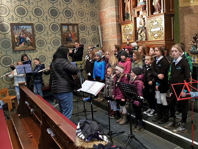 Querflötenensemble + Kinder- und Jugendchor Montfort Voices