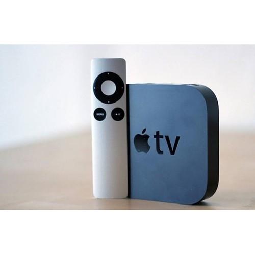 Remote Apple TV Gen 3 Price: VNĐ849000.0 Giới thiệu Apple Remote TV Gen 3 có thể kết nối với hầu hết các thiết bị của Apple từ iPod, iPhone thậm chí là iMac. Nếu bạn kết nối iPod với loa gia đình, loa công suất lớn hoặc TV, Apple Remote cho phép bạn trải
