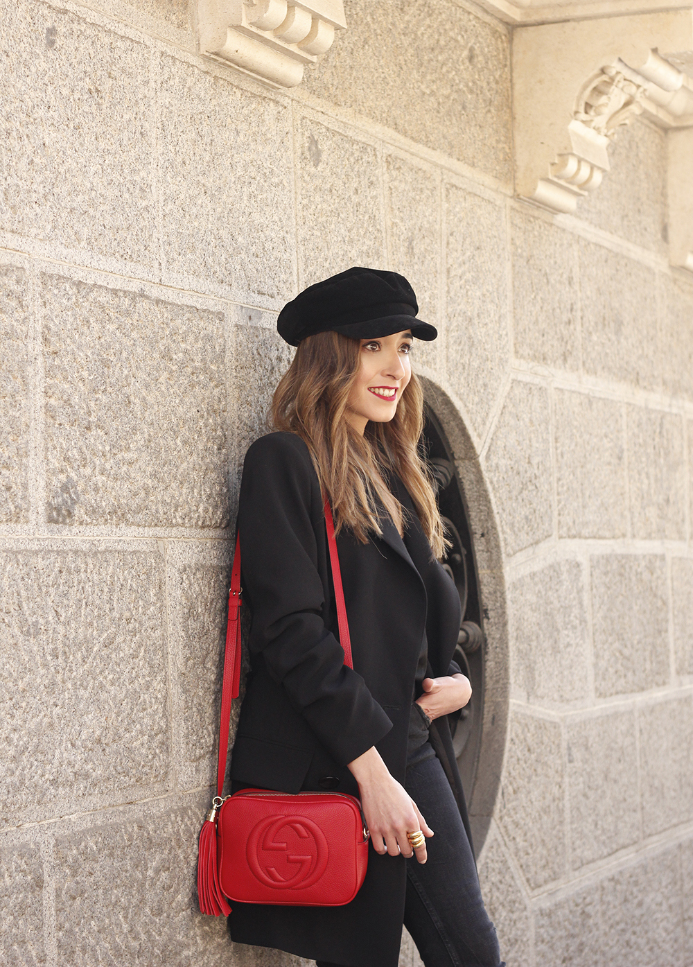 black blazer bicolor boots uterqüe gucci bag gucci belt navy cap style fashion winter outfit14