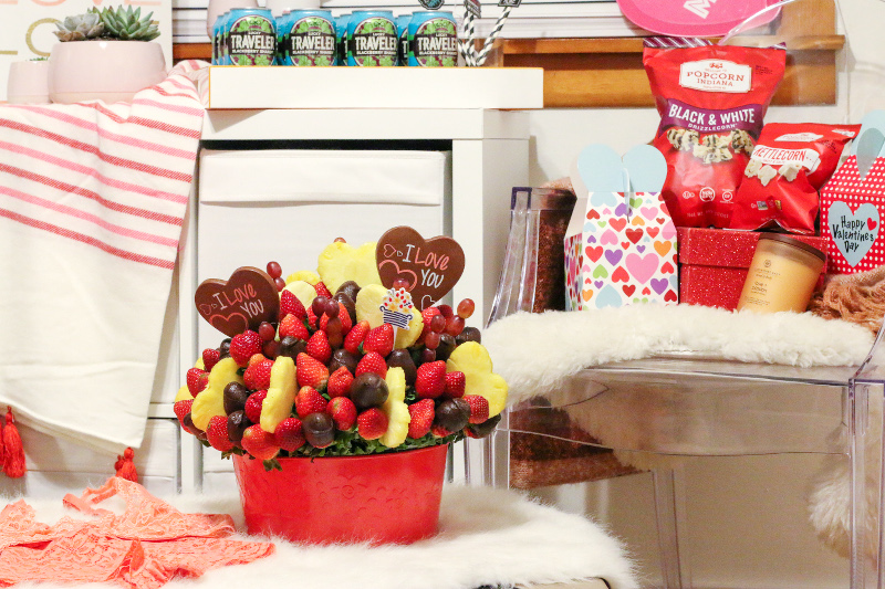 edible-arrangements-strawberries-chocolates-valentines-day