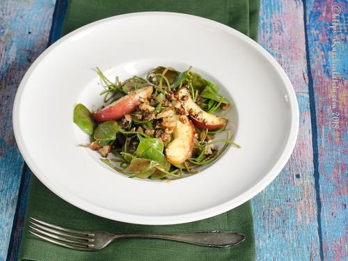 Walnuss-Salat mit Apfel