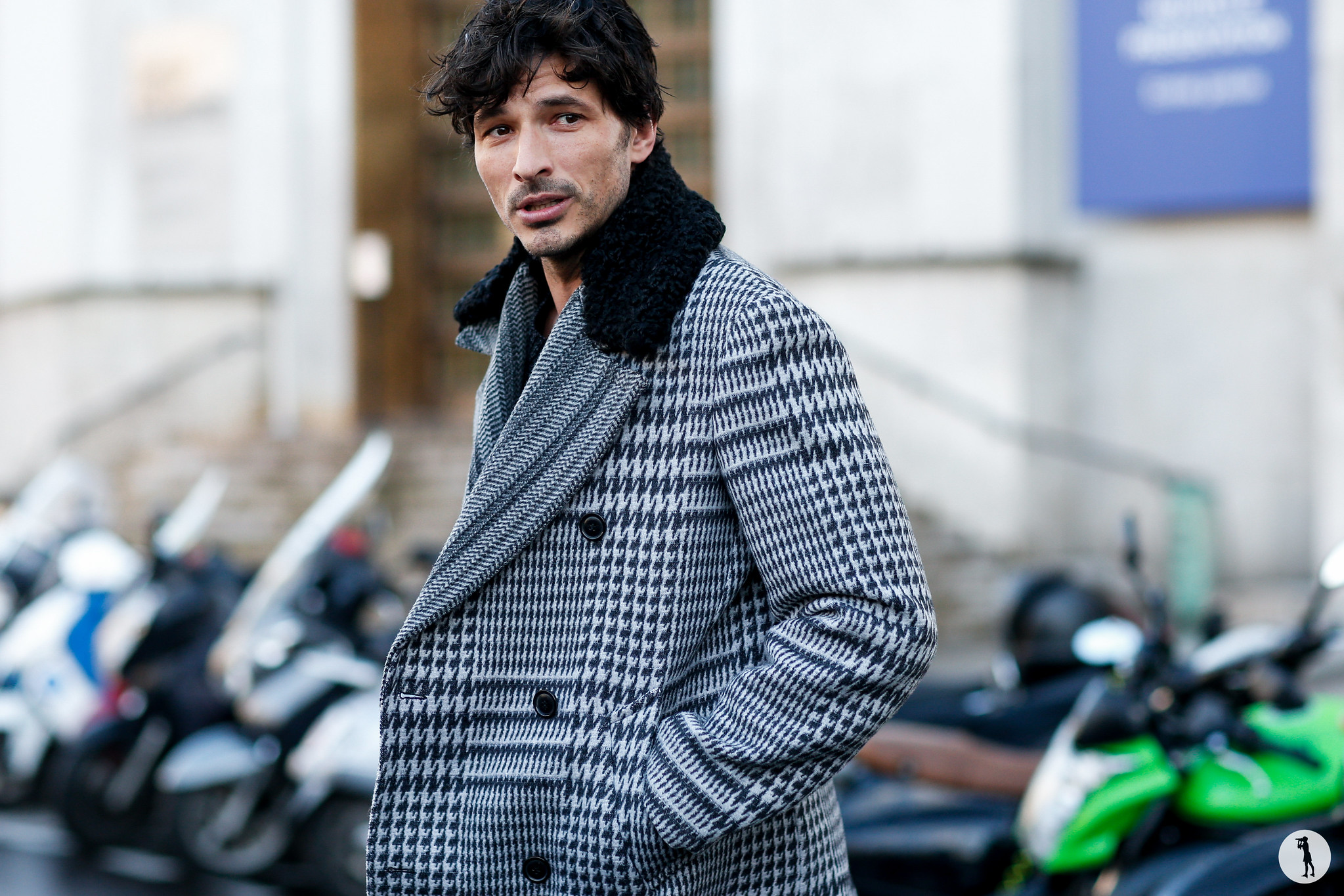 Andres Velencoso - Paris Fashion Week Menswear FW18-19 (6)