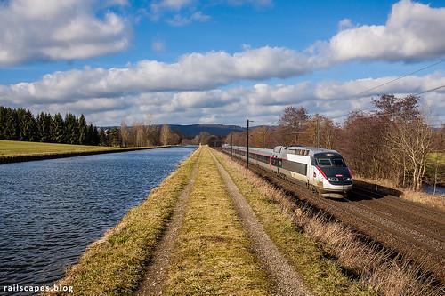 Along the Marne - Rhine canal (I)