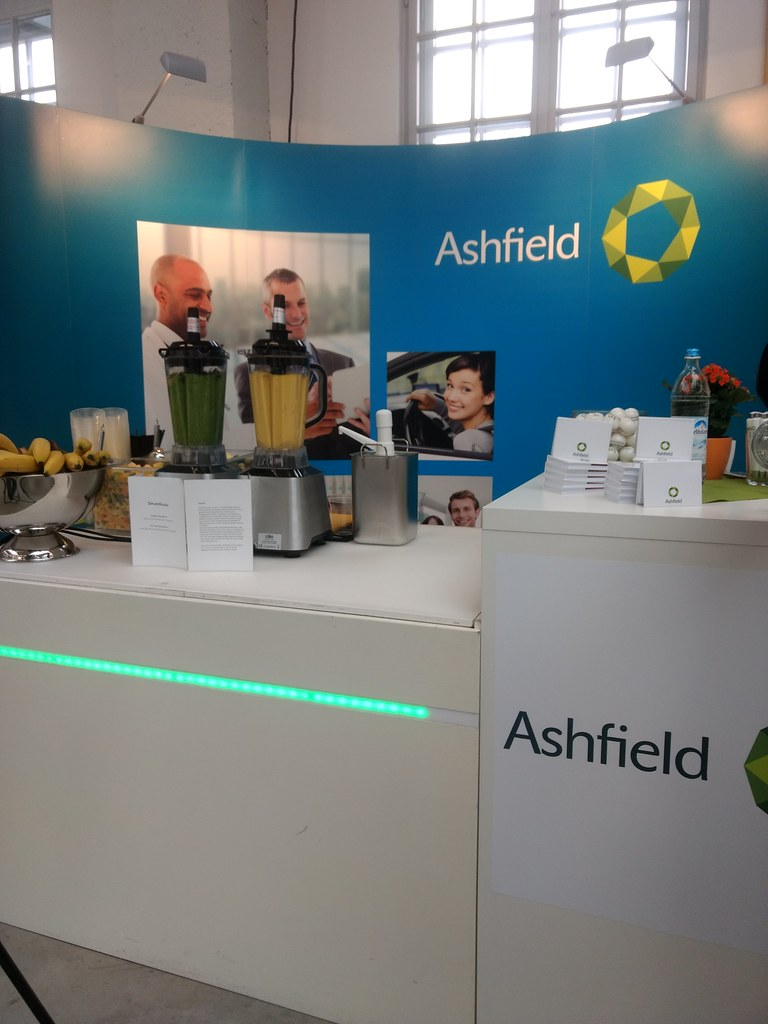 "#Hummercatering #Event #Cratering #Smoothie an unserer #mobilen #Smoothiebar für #Ashfield auf dem #Jobvector career Day #Eventlokation #MVG #Museum #Muenchen #cgn > #muc Mehr #Infos unter https://koeln-catering-service.de/smoothie-catering/messe-event-sm • <a style=""font-size:0.8em;"" href=""http://www.flickr.com/photos/69233503@N08/39841025764/"" target=""_blank"">View on Flickr</a>"