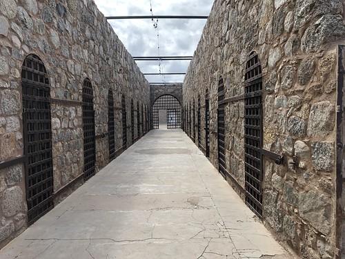 Yuma - at the jail corridor