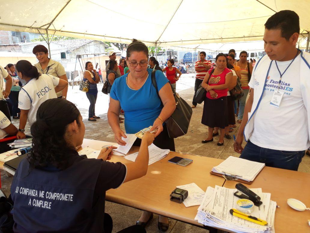 20180221 Entrega de Bono Salud y Educación en Santa Isabel Ishuatán