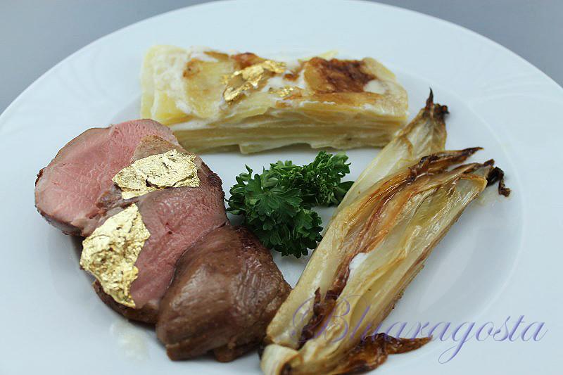 02-petto d'anatra con dauphinoise di patate e indivia brasata