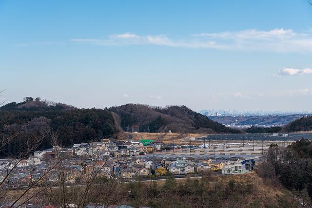 丘の上公園着・・・我街と多峯主山