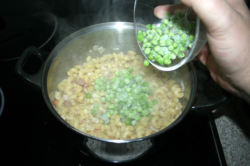 13 - Erbsen unterheben / Stir in peas
