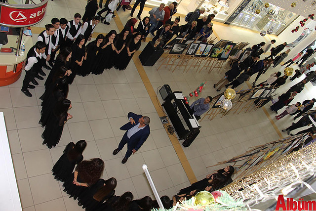 Türkler Güzel Sanatlar Lisesi'nin öğretmenleri öncülüğünde öğrencilerin yeteneklerini göstermek amacıyla düzenlenen sergi Alanyum AVM'de açıldı. -5