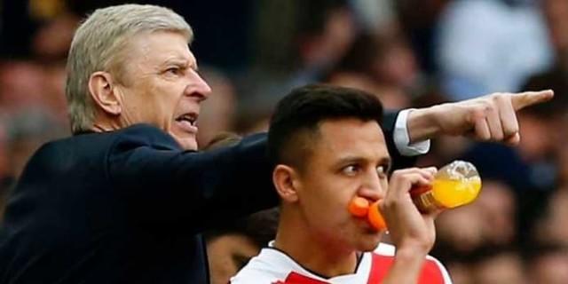 Arsene Wenger Kepergian Alexis Tak Sesakit Hengkangnya van Persie