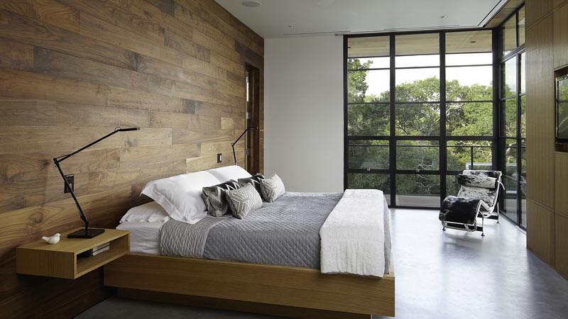 Kelongsong (panel) kayu alami menjadi salah satu tren desain interior untuk generasi milenial.