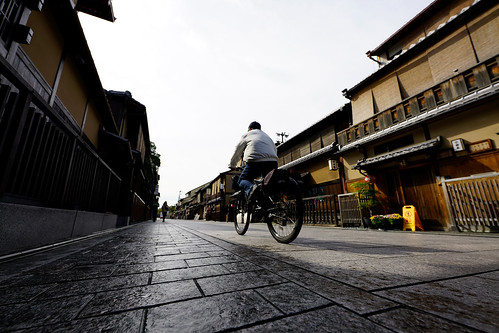 京都花見小路、強烈なパース