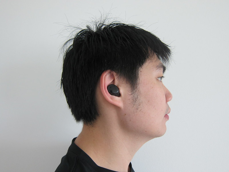 Bragi The Dash Pro - Wearing It