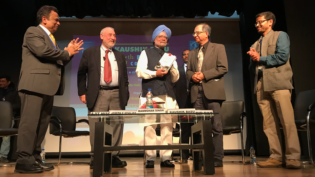 From left to right; Ajit Mishra, Joseph Stiglitz, Manmohan Singh, Kaushik Basu, Tridip Ray.