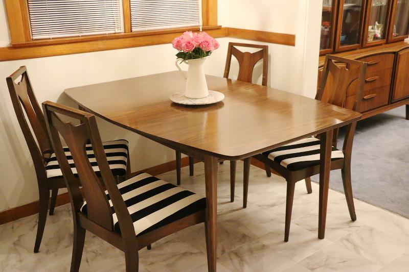kitchen-nook-dining-set-black-white-stripe-chairs-4