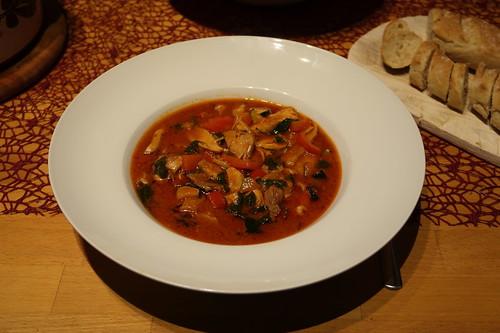 Hühnersuppen-Variante mit Paprika, Zucchini und Tomaten