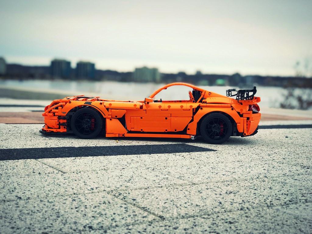 Dodge Viper ACR- side shot