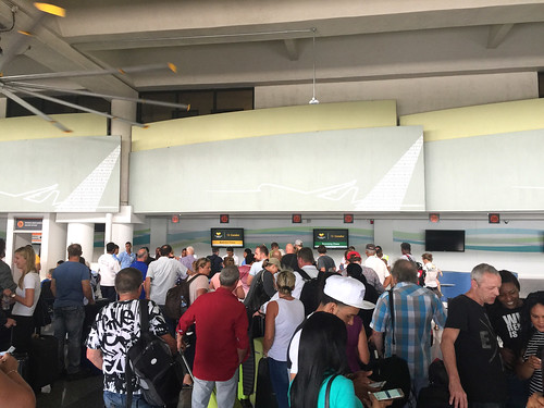 141 - Check-In - Condor - Flughafen / Airport Puerto Plata