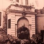 Palazzo Maccarani Odescalchi, cortile P.za Margana 19, Foto L. Pratesi 1987 - https://www.flickr.com/people/35155107@N08/