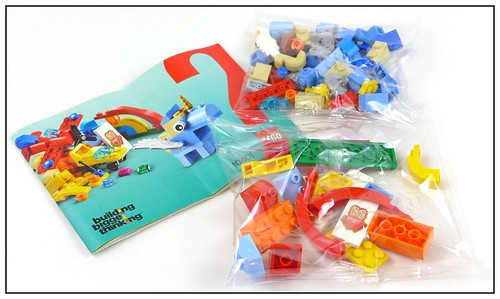 LEGO 10401 Rainbow Fun - Happy! 05