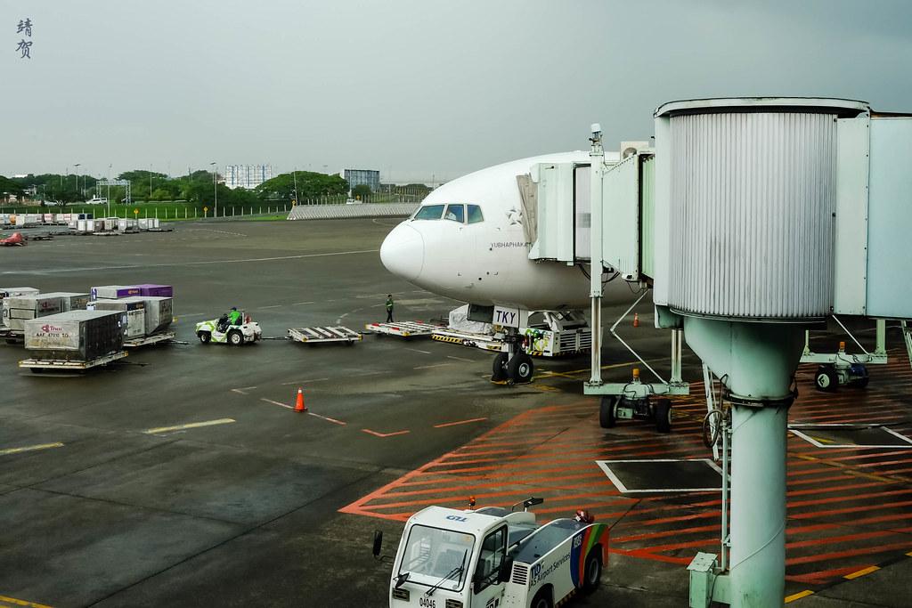 Boarding Thai Airways 777-300ER