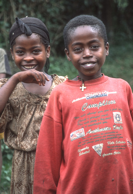 Ethiopia : Bench girl and boy #1
