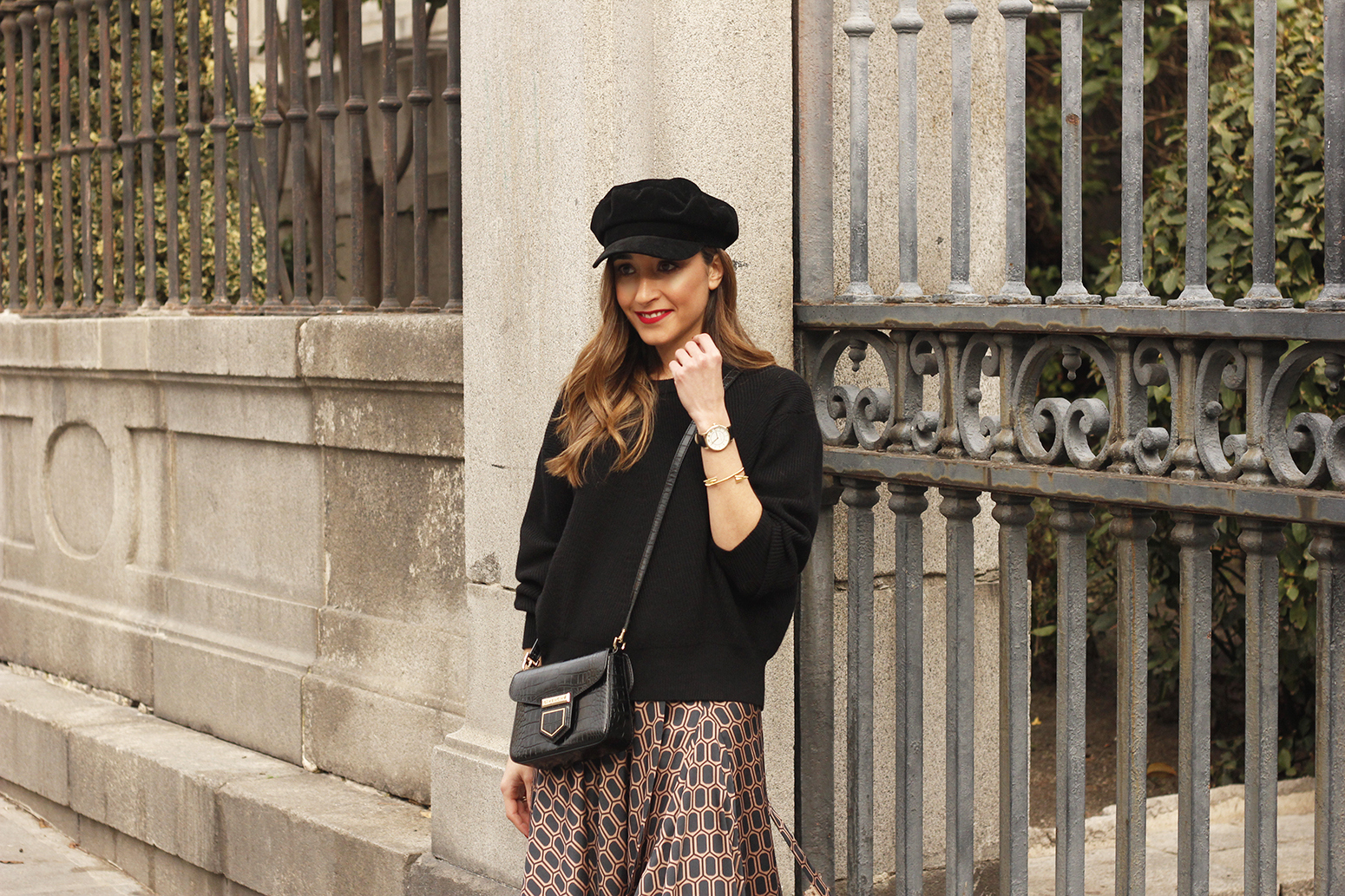 Midi skirt geometrical print marc jacobs watch over the knee boots givenchy bag winter outfit street style13