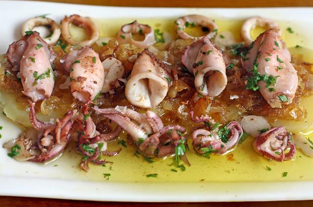Chipirones con cebolla caramelizada (37)