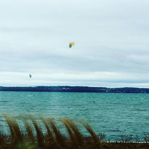 Parasailers on Seneca Lake. It's 45 out and the water is surely colder. This is hardcore! #fingerlakes #parasailing #genevany