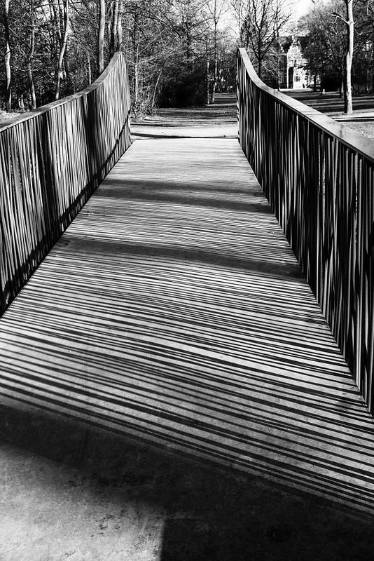 Grid bridge