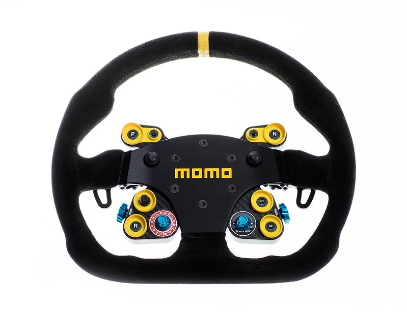 Cube Touring steering wheel 1