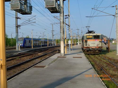 BB 25649 avec une rame VB2N Nord Pas de Calais elle va