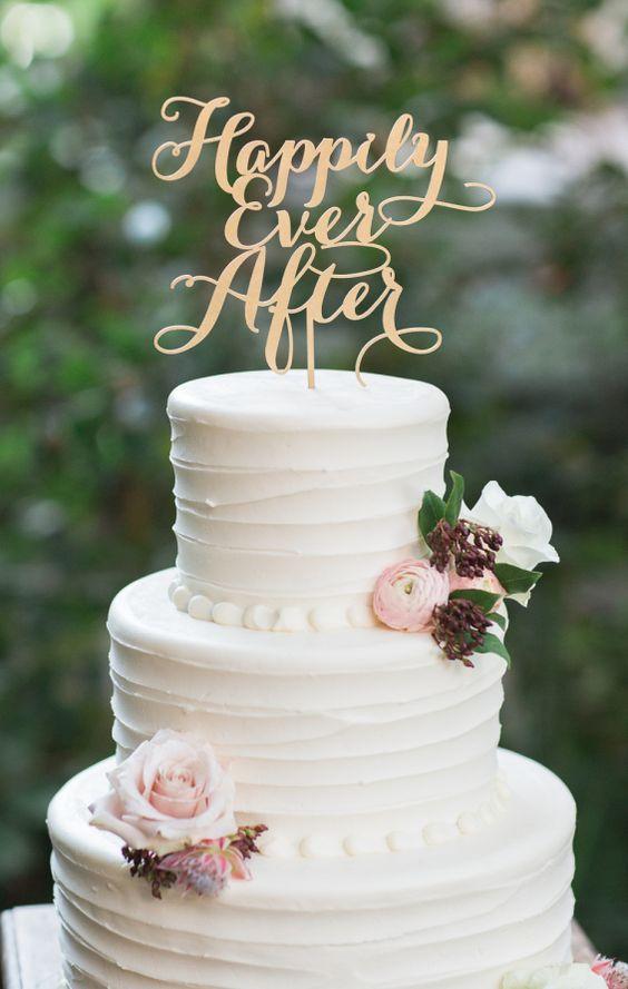 Wedding Cakes : Wedding cake idea; Featured Photographer: Carlie Statsky Photography