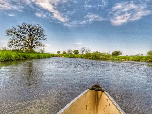 Canoeing the Sugar River in Wisconsin. Photographer Ted Nelson