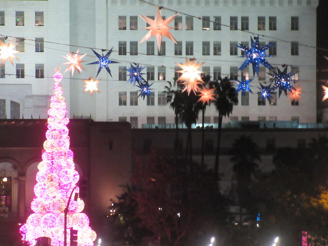 Holidays at City Hall, Canon POWERSHOT ELPH 340 HS