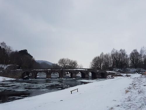 Llanfoist Bridge, Abergavenny.  Ice on the River Usk. (threejumps)