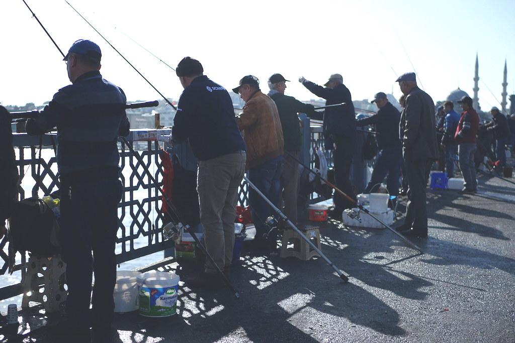 Galata köprüsü balıkçıları