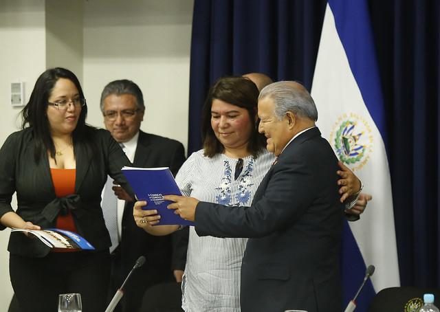 Presentación del primer informe de evaluación del Plan Quinquenal de Desarrollo.