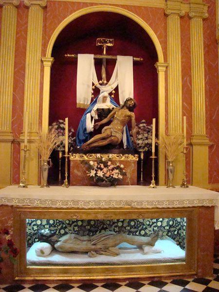 Hermandad del Santísimo Cristo Yacente y Nuestra Señora de las Angustias y Santísimo Cristo de la Victoria. (Santo Entierro).