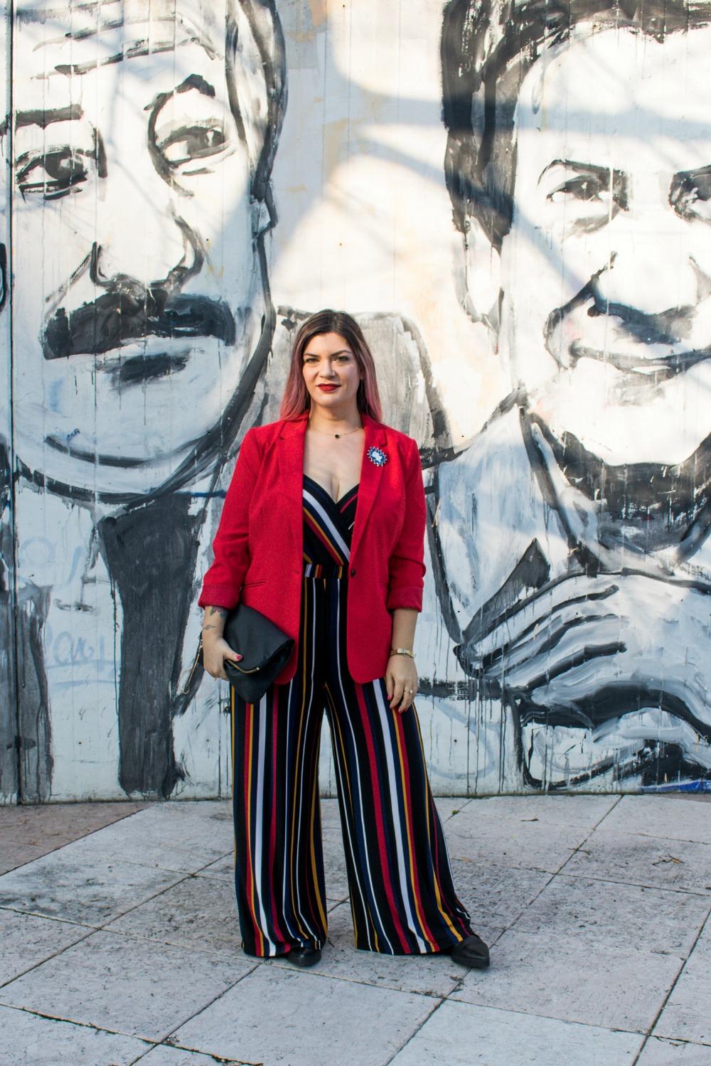outfit-plussize-curvy-con-tuta-a-righe-e-blazer (2)
